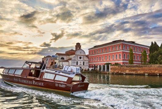 1 San Clemente Boat and Exterior 2048x1392 530x358 - Le 3 Location di Matrimonio più romantiche del Nord Italia