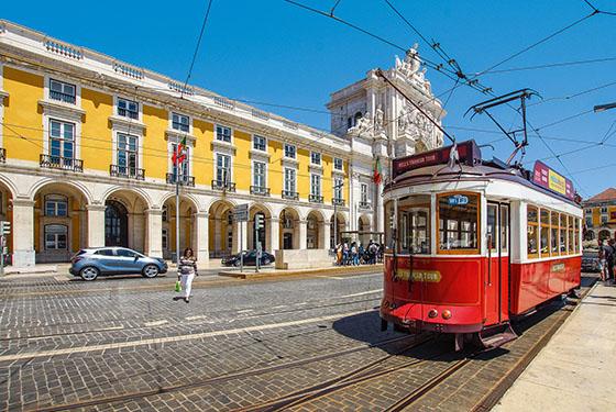 lisbon 4379656 1920 - Luna di Miele tra Portogallo e Azzorre